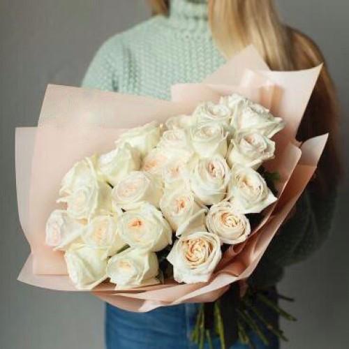 Купить на заказ Букет из 31 белой розы с доставкой в Есике