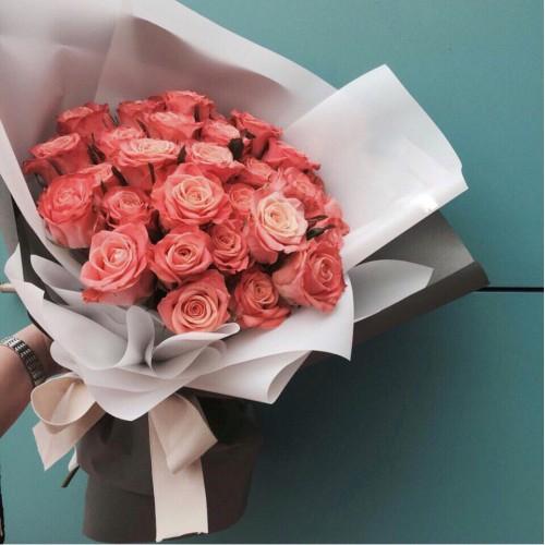 Купить на заказ Букет из 31 розовой розы с доставкой в Есике