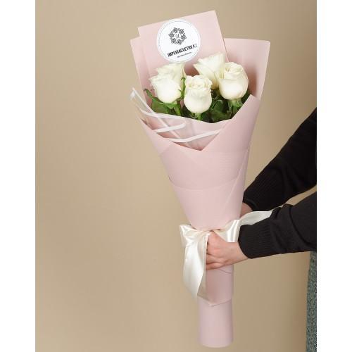 Купить на заказ Букет из 5 роз с доставкой в Есике