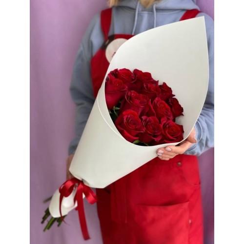Купить на заказ 15 красных роз с доставкой в Есике